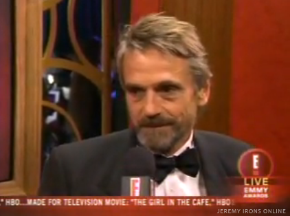 Jeremy Irons is Interviewed on E! News Post Emmy Show