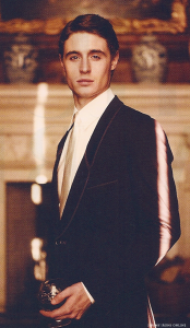 Max Irons in Vanity Fair Magazine - March 2011 - Issue No.607